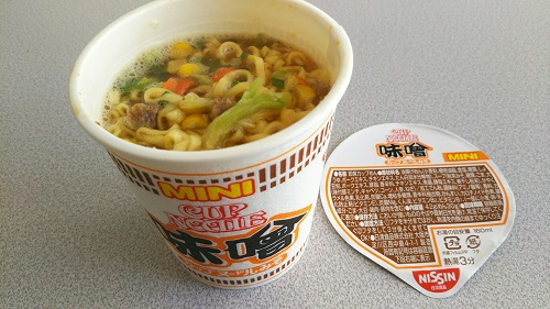『カップヌードルミニ 味噌』
