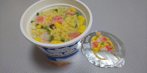 『QTTA SEAFOODラーメン 裏 シーフードクリーム味』
